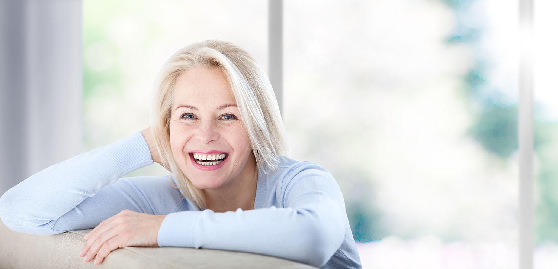 Donna anziana menopausa
